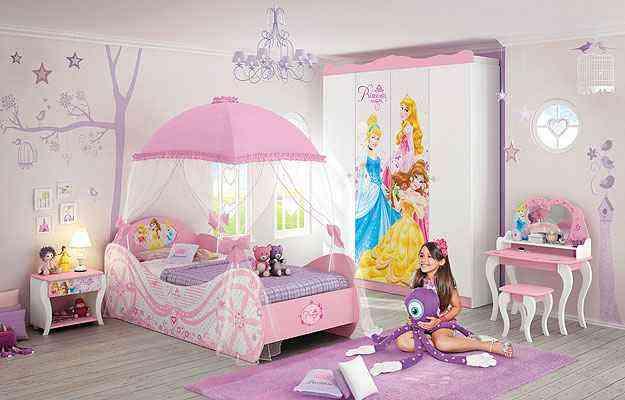 Camas divertidas e quarto de princesa compõem uma decoração alegre para deixar as crianças mais seguras em meio a seus personagens preferidos  - Amanda de Peta/Divulgação